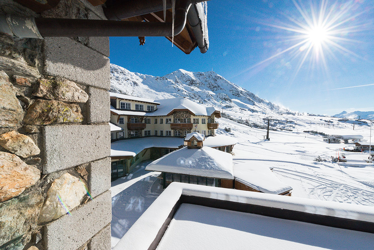 apply now! work at the seekarhaus 5-star ski hotel in obertauern